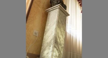 Columna mármol Arabescato